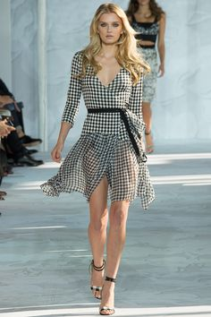 Diane von Furstenberg Spring 2015  Completely obsessed with her new gingham line up for spring. Thinking of 2 different ones for Easter brunch ...
