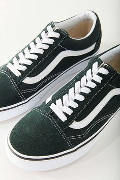 f8553a12909a15 Slide View  1  Vans Classic Old Skool Sneaker color  dark green size 7.5