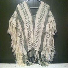 NWT L.A. Hearts Soft Poncho This brand new with tags, never worn, L.A. Hearts soft poncho is so perfect for this upcoming autumn! It is a beautiful cream and green. It has tassels all along the bottom and just flows beautifully! LA Hearts Sweaters Shrugs & Ponchos