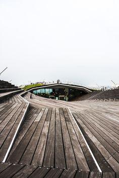 082008 the Alejandro Zaera´s Yokohama Port Terminal by verónica velaz