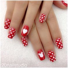 Cute Nail Art Designs for Valentine's Day – The Best Nail Designs – Nail Polish Colors & Trends White Nail Designs, Nail Art Designs, Nails Design, Red Nails, Hair And Nails, Bling Nails, White Nails, Valentine Nail Art, Disney Valentines