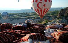 Breakfast in a valley #cappadocia #kapadokya #turkey #luxury #hotel #relaischateaux #boutique #museumhotel #uchisar #cave #cavehotel #museum #honeymoon #balayı #butik #event #outdoor #valley #private #breakfast #hidden #balloon #balloons #özel #kahvaltı #vadi