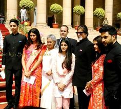 The Bachchan family portrait is just picture perfect | PINKVILLA