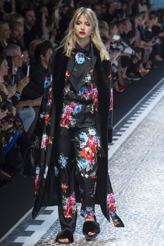 Dolce & Gabbana Autumn/Winter 2017 Ready to Wear Collection