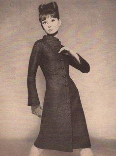 Audrey Hepburn photographed by Richard Avedon for a fashion editorial in Harper's Bazaar, -Audrey was wearing a creation of Yves Saint Laurent Jeanne Moreau, Yves Saint Laurent, Jacqueline De Ribes, Christian Dior, Audrey Hepburn Born, Top Fashion Magazines, Richard Avedon, Old Hollywood, Style Icons