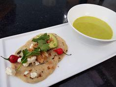 sopa de pollo cilantro loroco y chicharrones
