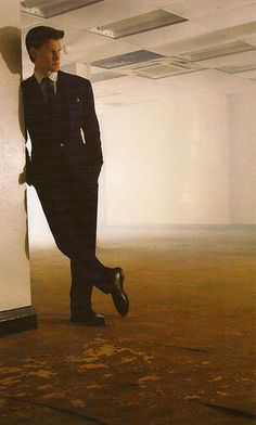 Matt Smith looks so cool and collected while standing still, but the moment he starts walking... That's a whole other story. :)