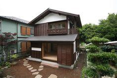 戸塚の現代版日本家屋|湘南・横浜・横須賀の日本建築 【長谷川工務店】 Japanese Architecture, Interior Architecture, Sustainable Building Design, Retreat House, Wooden House, Japanese House, Cozy House, My Dream Home, Ideal Home