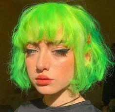 Neon b**** - Color Hair Neon Green Hair, Green Wig, Short Green Hair, Neon Hair Color, Pretty Hairstyles, Wig Hairstyles, Hair Inspo, Hair Inspiration, Cabelo Inspo