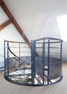 1000 images about escaliers on pinterest spiral stair for Garde corps interieur escalier