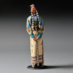 Contemporary Lakota Female Doll Attributed to Charlene Holy Bear | Sale Number 2636B, Lot Number 79 | Skinner Auctioneers