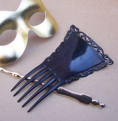 Vintage hair comb Victorian Spanish comb black by ElrondsEmporium