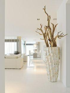 Geweldige grote pot met houtdecoratie!