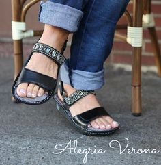 Soft leather sandles for problem feet. Adjustable toe strap for bunion comfort - Shoes By Alegria Verona (luv them! Recommended for sure!)