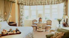 Dormitorio amplio y cómodo en Hotel Hambleton Hall