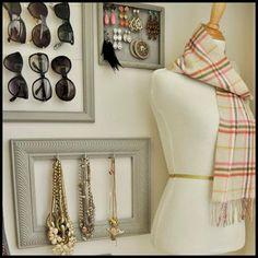 Jewelry / Jewellery Display And Storage