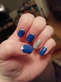 Such a gorgeous Reverse French manicure with Color Street Greeking Out (Blue) and Fort Worth It (Silver)! Reverse French nails in minutes with blue and sparkly glitter silver! Reverse French Manicure, French Manicure Acrylic Nails, French Manicure Designs, French Tip Nails, Manicure Colors, Diy Manicure, Nail Polish Colors, Glitter Manicure, Matt Nails
