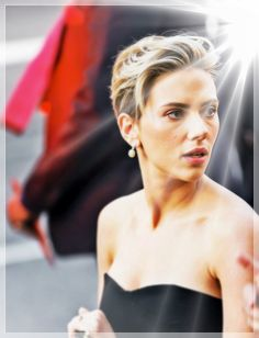 Scarlett Johansson - fashion and beauty — something a bit different