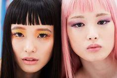 Yuka Mannami & Fernanda Ly backstage at Moschino Resort 2018 Beauty Makeup, Eye Makeup, Hair Makeup, Hair Beauty, Moschino, Korean Makeup Look, Strawberry Blonde, How To Pose, Up Girl