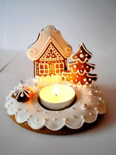 Perníkový svícen / Zboží prodejce Prylovka | Fler.cz Cute Christmas Cookies, Christmas Gingerbread, Christmas Treats, Christmas Baking, Kids Christmas, Gingerbread Cookies, Christmas Decorations, Xmas, Winter Holidays