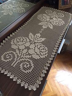 Crochet Bookmark Pattern, Crochet Doily Patterns, Crochet Designs, Crochet Doilies, Crochet Flowers, Crochet Table Runner Pattern, Crochet Tablecloth, Crochet Books, Thread Crochet