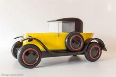 Citroën Trèfle 1925 - Vilac / Aroutcheff Car Ins, Diy Design, Lego, Wood, Hand Embroidery, Classic Cars, Hobbies, Garage, Children
