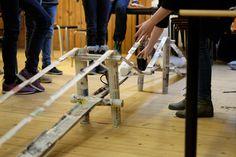 Vi bygger bro!   Af avis og tape, kun det - og det holder ba…   Thea Bech-Petersen   Flickr