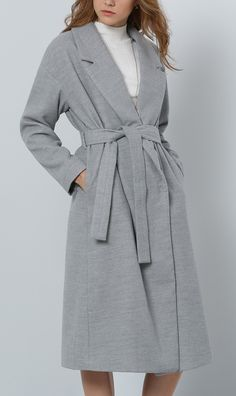 Such a cute grey lapel split coat. And comfy too!
