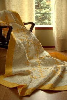 Patchwork Ninepatch Quilt - Urban Amish Quilt - butter yellow and cream in a traditional quilt