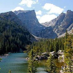 Hike from Bear Lake to Emerald Lake