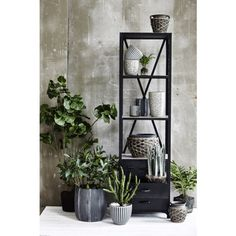 Pin from www. New Furniture, Scandinavian Design, Interior Inspiration, Ladder Decor, Bookcase, Lens, Shelves, House, Garden Ideas