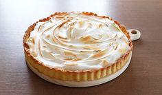 ENKEL SITRONTERTE MED MARENGS Heston Blumenthal, Cheesecake, Good Food, Pie, Healthy Recipes, Baking, Desserts, Drink, Cheesecake Cake