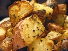 Ranch Roasted Red Potatoes Recipe - 2 Points + - LaaLoosh * My boyfriend LOVES these and begs me to make them constantly.. even WITHOUT the ranch and just a little seasoning salt