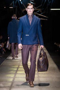 Look 35 - #Versace Men's Fall/Winter 2015-16 fashion show. #VersaceMenswear