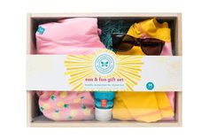 The Honest Company Sun and fun Gift Set - Pineapples-Large