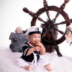 Sesión de fotos para bebes de 6 meses a mas, contamos con disfraces, realizamos book fotográfico y mucha creatividad Telf.: 4472343 fotolatinoproducciones.com