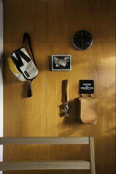 peg board versus drywall - House in Ozenji / Hirose Yoshikazu Architects Office