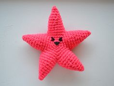 Be a star with this starfish amigurumi from Pops de Milk!