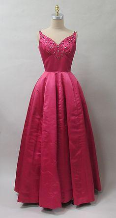 Dress Charles James, 1952-1953 The Metropolitan Museum of Art - OMG that dress!