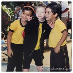 #tb do Caiquinho na época do ensino fundamental! 🙇🏼 A inclusão escolar traz benefícios não só para a criança com deficiência como tb para as demais crianças que passam a ter a incrível oportunidade de aprender com as diferenças e assim crescerem livres de preconceitos! Por mais escolas verdadeiramente inclusivas!! #inclusao #inclusaoescolar #montessori #sindromededown #downsyndromeawareness #scholarinclusion #inclusion #brasília #brasil