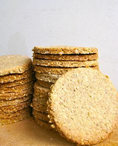 In Scotland I had the pleasure of eating homemade oatcakes at The Steading cafe in Keith. They were served in place of bread with cheese and complemented the meal perfectly. I have used oatcakes on...