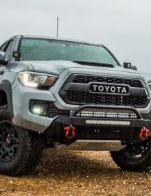 Shop the Tacoma Slimline Hybrid Bumper with HEISE LED from Southern Style OffRoad. Toyota Tacoma Accessories, 4x4 Accessories, Toyota Tacoma Bumper, Toyota 4runner, Off Road Bumpers, Winch Bumpers, Tacoma Off Road, 2016 Tacoma, Tacoma Truck