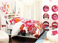 Bedroom Ideas for Teen Girls with Black and White Pictures   RetroInteriorDesign.com