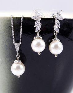 Whimsical Fairy Style Cubic Zirconia Earrings with Swarpvski Pearl drop, Gifts Ideas for her, Silver, Sparkly, Fairy tale, Bridal, Bridesmaids, jewelry, weddings, www.glitzandlove.com, by GlitzAndLove