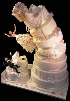 z- Collapsing Wedding Cake, Spilling Bride & Groom