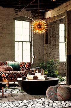 Este loft es entre vintage, industrial y bohemian. Ésta mezcla de estilo con sólo agunas cosas nos encanta