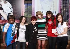 the view cast with Taylor