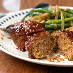 Meatloaf Muffins with Barbecue Sauce - Rachael Ray Bbq Meatloaf, Meatloaf Muffins, Meatloaf Recipes, Meat Recipes, Cooking Recipes, Yummy Recipes, Yummy Food, Dinner Recipes, Cooking Ideas