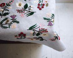 日が長くなってきました。 春だなぁ。 #刺繍 #刺しゅう #刺繍とがま口