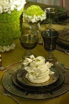 a small cake for each guest, preston bailey  www.weddingsonline.in for Indian Wedding Shoes, Decor, Lehengas and Sarees